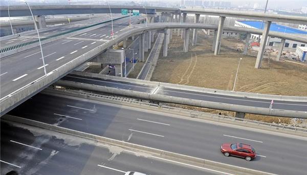 泰伯大道(锡张高速-区界)道路工程-B段(鸿山路-区界)道路工程